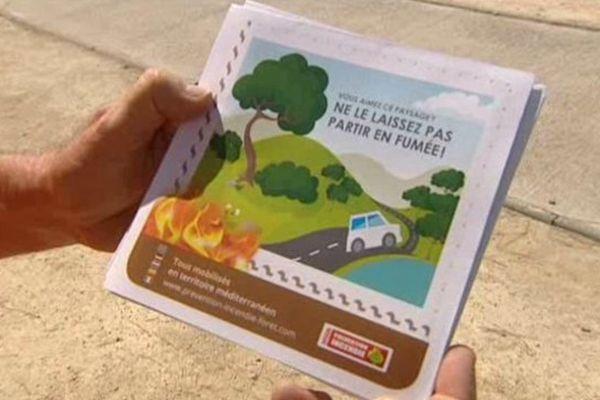 Des dépliants de prévention ont été distribués aux vacanciers sur l'aire de Vinassan, près de Narbonne (11).