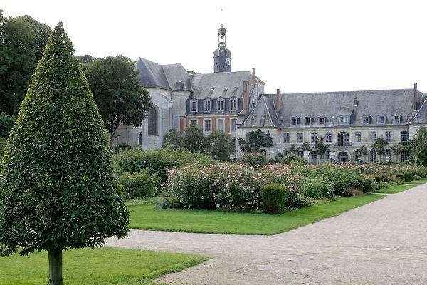 Les faits se seraient déroulés à l'abbaye de Valloires, qui accueille des enfants placés par les services sociaux.