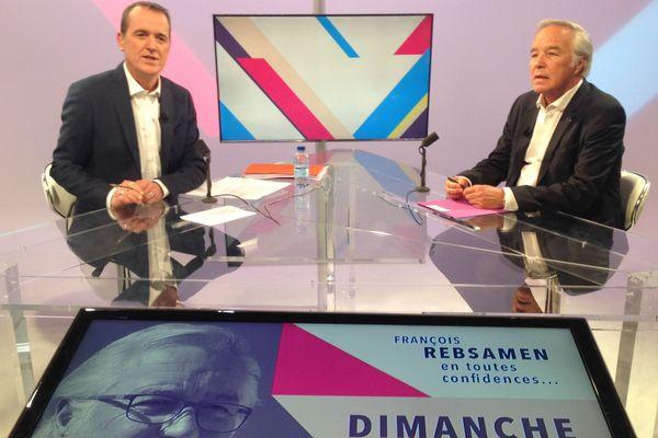 François Rebsamen (à d.) sera l'invité d'Eric Sicaud, France 3 Bourgogne (à g.)