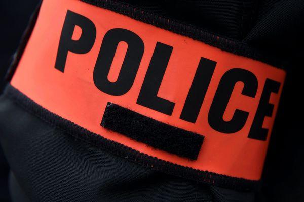 Près de 2,5 tonnes de cannabis ont été saisies dimanche à Argenteuil (Val-d'Oise).