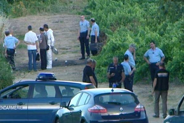 Saint-Hippolyte-de-Caton (Gard) - les gendarmes sur les lieux du crime - 27 juin 2012.