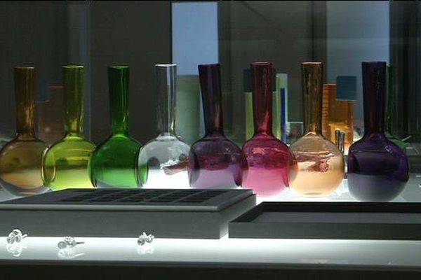 """À l'exposition """"Trésor de sable et de feu"""", le verre prend toutes les formes et toutes les couleurs."""