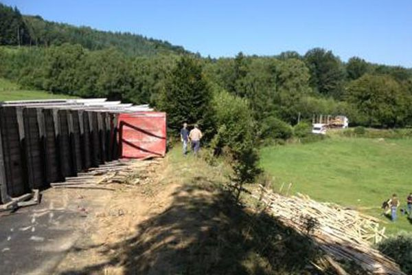 Camion accidenté sur D940 au lieu-dit le Bonhomme de Lombre