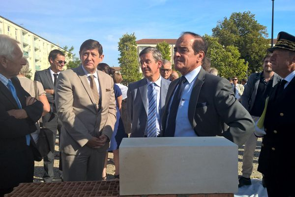 Le ministre de la Ville Patrick Kanner à l'inauguration de la pose de la première pierre du programme ANRU dans le quartier Rome Saint-Charles de Vitry-le-François (2 septembre 2016).