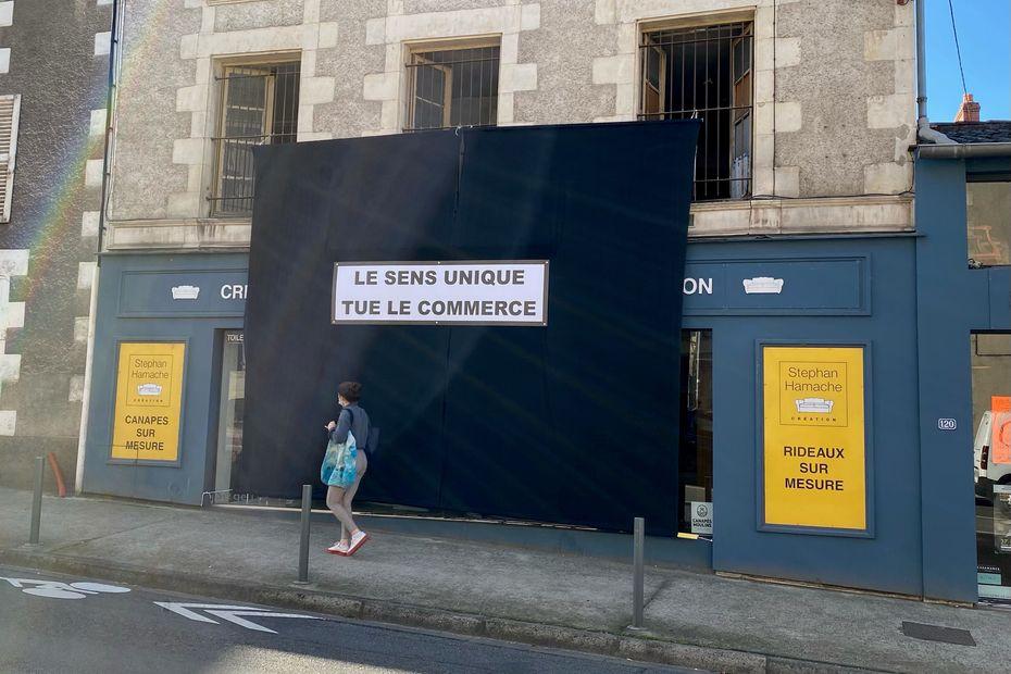À Poitiers, des commerçants se mobilisent contre la circulation à sens unique du faubourg du Pont-Neuf