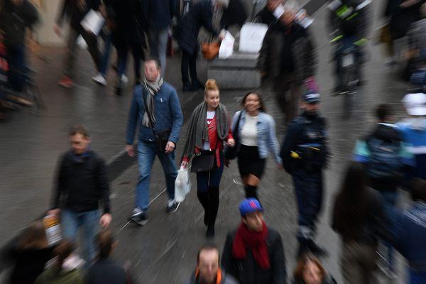 Des piétons dans la rue (image d'illustration).
