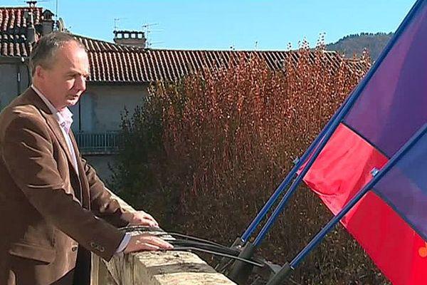 Le Vigan (Gard) - Eric Doulcier au balcon de sa mairie - novembre 2017.