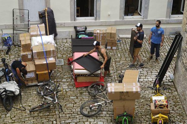 Un appartement F5 déménagé à vélo dernièrement à Besançon