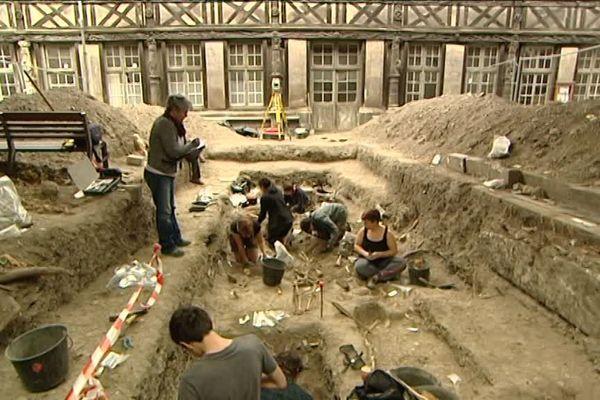 Les fouilles se poursuivent jusqu'au 5 août