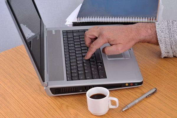 L'Adie aide et soutient les créateurs d'entreprises grâce à des ateliers pratiques.