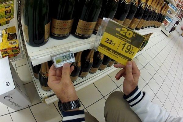 Un exemple de promotion qui se révèle être une arnaque. Pour calculer les 20% de remise, le prix initial a été augmenté. Il est passé de 22,50€ à 23,77€.