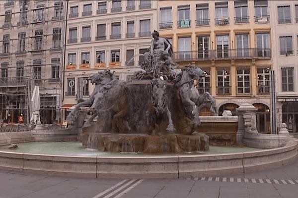 """Commandée par la ville de Bordeaux, elle devait représenter le """"char triomphal de la Garonne""""."""