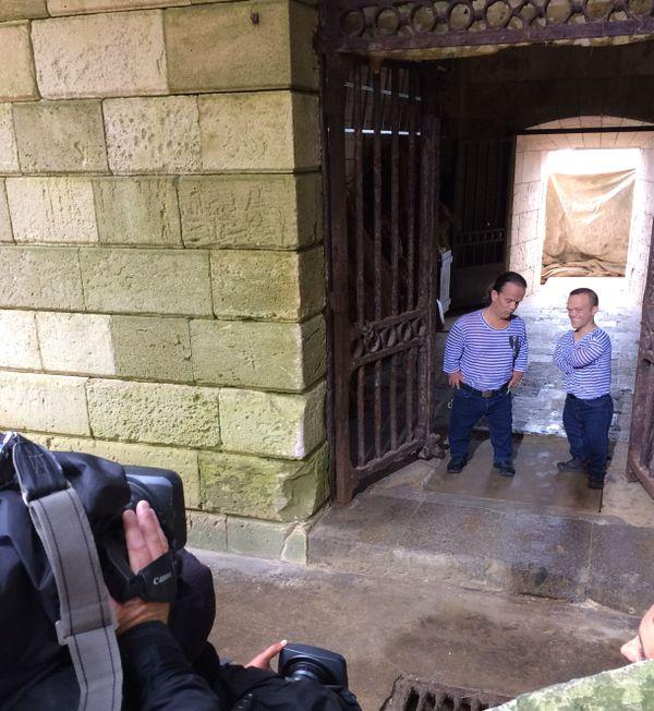 Passe-Partout et Passe-Muraille pendant un tournage à Fort Boyard.