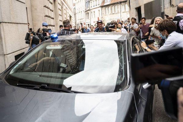 Nicolas Zepeda est arrivé dans une voiture banalisée au palais de justice de Besançon ce 24 juillet.
