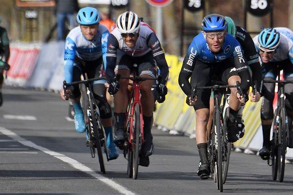 Giacomo Nizzolo a remporté au sprint la 2eme étape de Paris-Nice lundi 9 mars, mais les spectateurs n'étaient pas présents à l'arrivée à La Châtre, dans l'Indre. Le même scénario est prévu jeudi, au départ de la 5ème étape à Gannat, dans l'Allier.