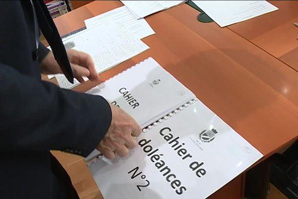 A Cagnes-sur-Mer, on s'apprête a faire remonter les cahiers de doléances en préfecture.