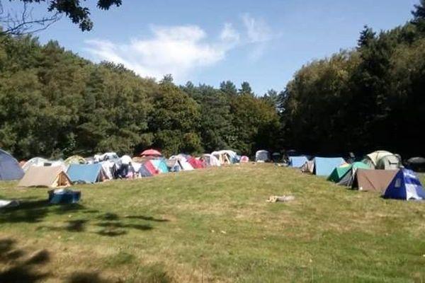 Camp installé au parc des Gayeulles à Rennes
