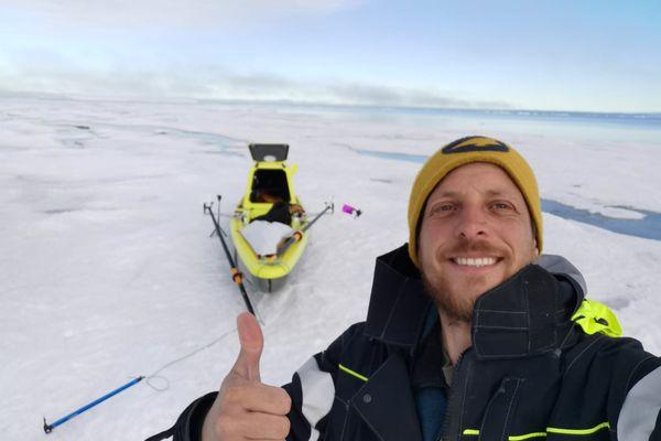 Vincent Grison au Groenland. Il y mène une expédition scientifique et pédagogique.