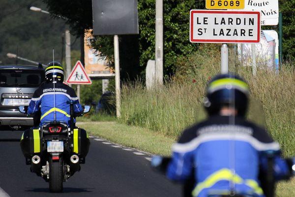De nombreuses équipes de gendarmerie étaient mobilisées le 31 mai 2021 pour capturer le fugitif sur la commune de Le Lardin St Lazare en Dordogne.