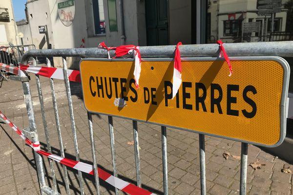 À Saumur, bloc de tuffeau est tombé sur le trottoir