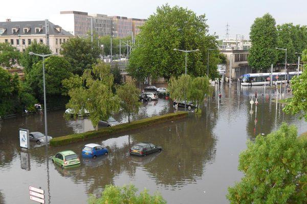 Le quartier de la gare de Caen le 22 juillet, après le passage de l'orage.