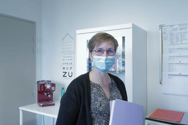 """""""Voir les élèves me permet de repérer des situations compliquées dans les familles"""", dit Valérie Boisseau, infirmière au Lycée Marquette de Pont-à-Mousson."""