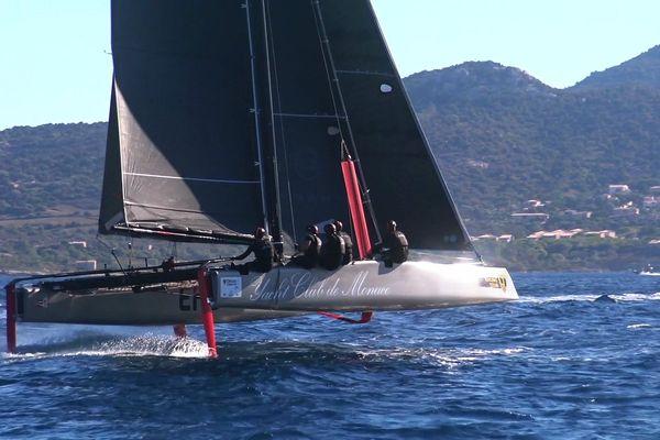 Le GC32 Malizia-Yacht Club de Monaco en course dans la baie de Calvi pour la GC32 Orezza Corsica Cup