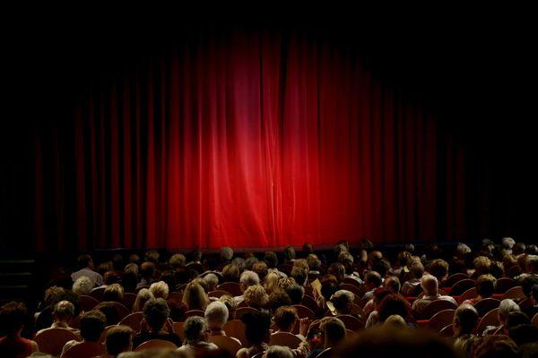 A quand des théâtres à nouveau remplis de spectateurs ? La culture espère une réouverture malgré la crise sanitaire du Covid-19 en France.