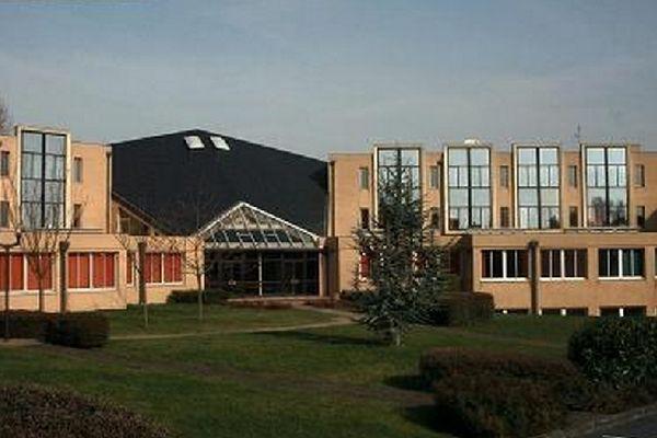 Alisson a été retrouvée par les gendarmes devant le lycée Jean Bouin où elle est scolarisée