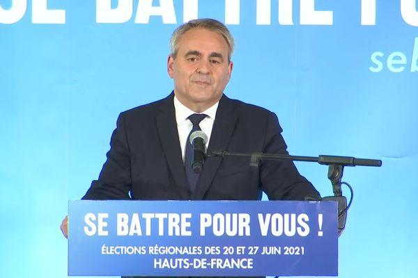 Xavier Bertrand lors de sa la prise de parole à Saint-Quentin dans l'Aisne après les résultats du second tour des élections régionales 2021