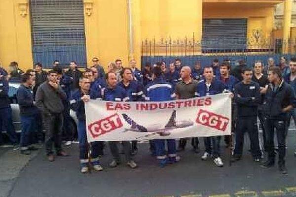 La manifestation EAS devant le tribunal de commerce de Perpignan