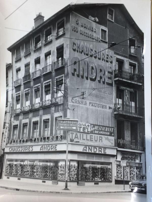 Le magasin historique du centre-ville de Grenoble, ouvert en 1928