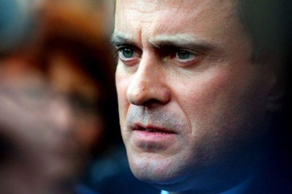 """06/12/13 - Le ministre de l'Intérieur Manuel Valls a assuré vendredi que """"rien"""" ne détournerait le gouvernement d'agir avec la gendarmerie et la police en Corse"""