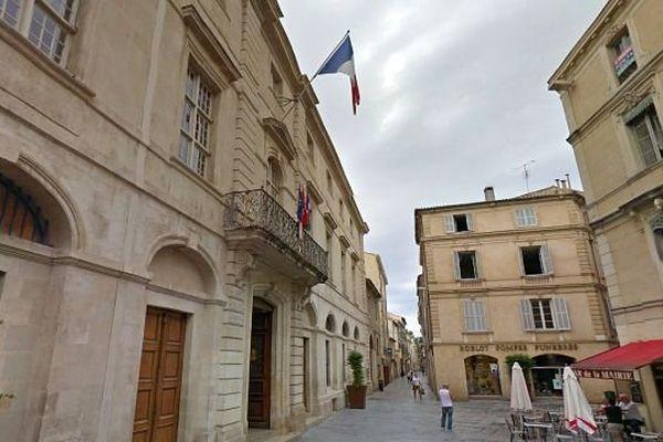 Nîmes - la mairie - archives