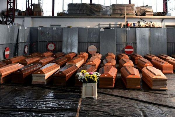 La ville martyre de Bergame et sa province, en Lombardie, ont payé le plus lourd tribut à la pandémie : près de 30 000 morts au total depuis mars 2020.