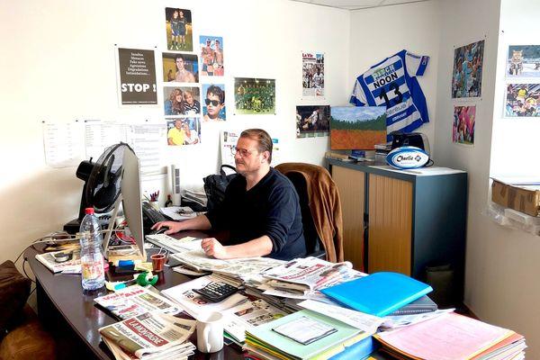 Cyril Gréghy, le rédacteur en chef de La Vie Corrézienne. Aujourd'hui ils sont deux dans la rédaction.