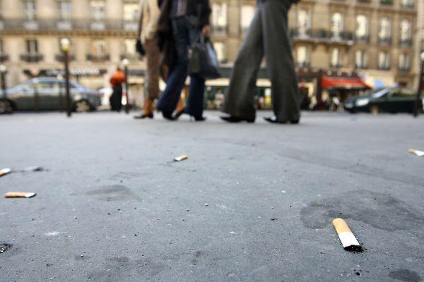 30 milliards de mégots sont jetés à terre chaque année en France. C'est l'une des plus importantes causes de pollution des océans.