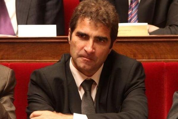 Le député de Seine-et-Marne (4e circonscription) et porte-parole du groupe UMP à l'Assemblée nationale s'est chargé des attaques contre Christiane Taubira. Il a également multiplié les rappels au règlement.