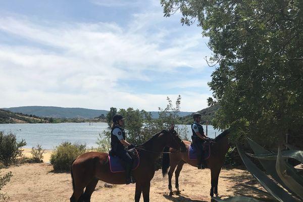 Lac du Salagou (Hérault) - la garde républicaine renforce la sécurité de ce site durant la saison estivale - juillet 2019