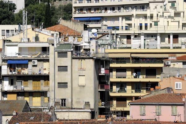 Illustration / Facades d'immeubles à Ajaccio.