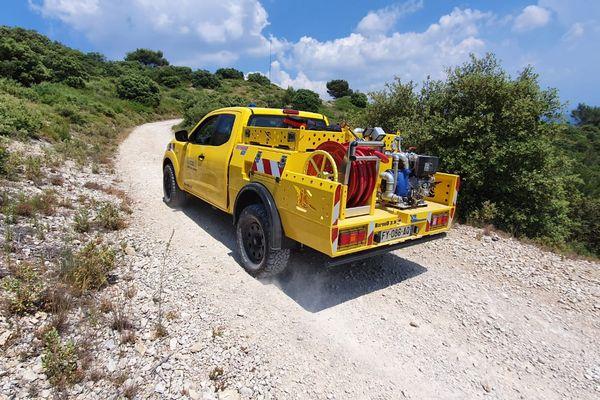 """Ce véhicule spécialisé pour l'intervention """"feux naissants"""" contient 600 litres d'eau"""