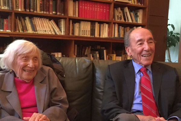 Marthe Hoffnung-Cohn vit aux États-Unis avec son mari le docteur Cohn. Elle revient souvent en France. À 99 ans, cette résistante juive tient à témoigner de sa vie si peu ordinaire durant la Seconde Guerre mondiale.