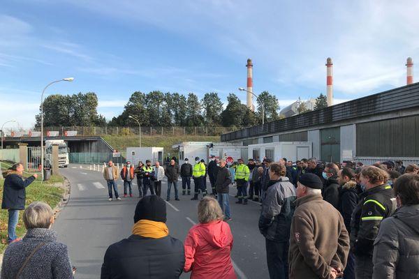 A l'usine Verallia de Châteaubernard (16), la CGT appelle à une grève de 40h après la tentative de suicide d'un salarié.