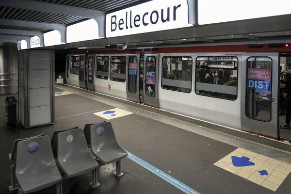 A Lyon l'ensemble des rames du métro devraient être équipées de caméras de vidéo-protection d'ici 2024.
