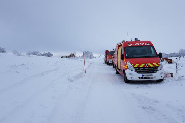 A Valcivières (Puy-de-Dôme), pompiers et gendarmes recherchent un snow kiter isparu depuis samedi 26 janvier