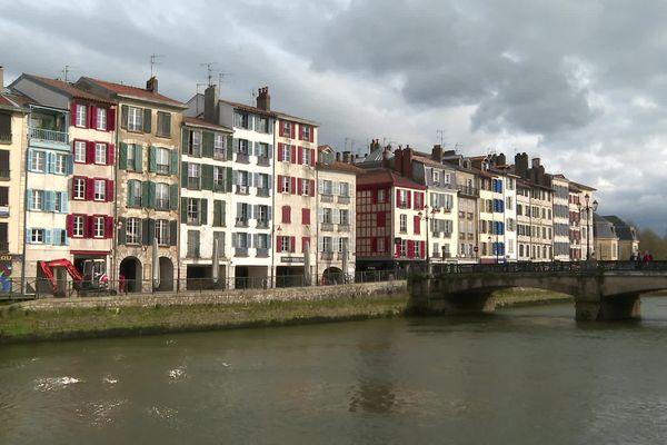 Un avenir incertain pour certains réfugiés basques installés en France depuis plusieurs années.