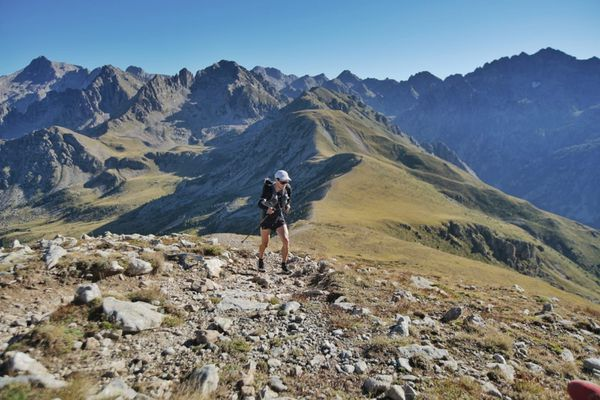 Germain Grangier, seul en tête du 130 km, au sommet de La Valette de Prals.
