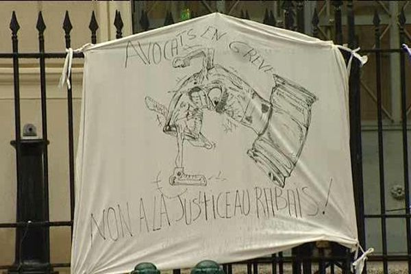 ARCHIVES - 17/11/14 - Les avocats du barreau d'Ajaccio ont déserté le palais de justice pour protester contre le projet de loi Macron