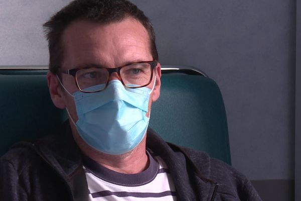 Hervé, 53 ans, n'avait aucun antécédent médical avant le Covid-19.