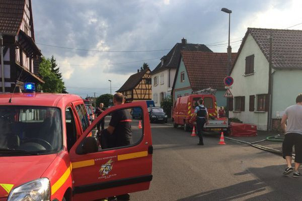 Les pompiers à l'oeuvre à Herrlisheim